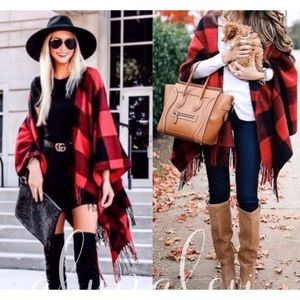 🛍🎉🆕 JUST IN 🎉 RED PLAID PONCHO/WRAP